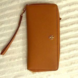 Tory Burch tan wallet/wristlet